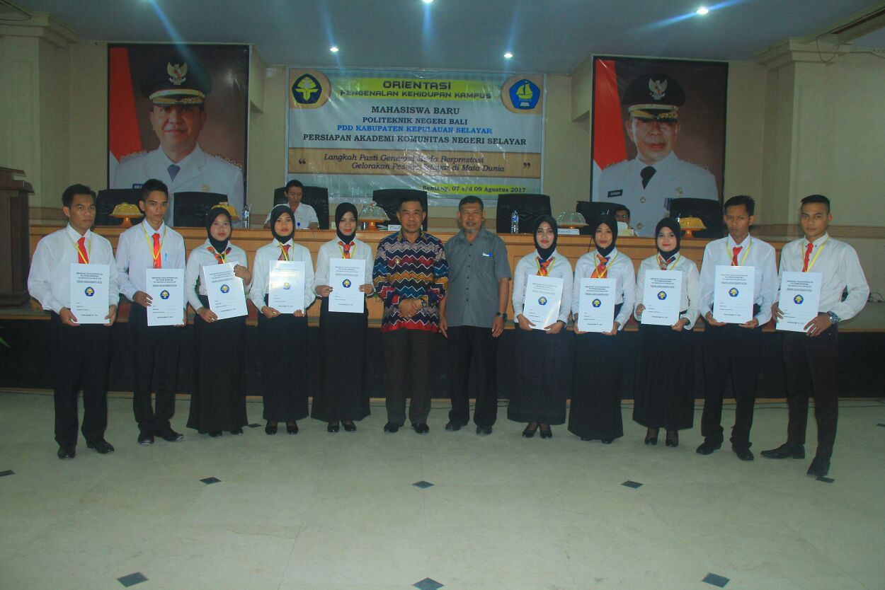 MABA Terbaik Politeknik Negeri Bali Terima Piagam Penghargaan Dari Wakil Bupati Kepulauan Selayar