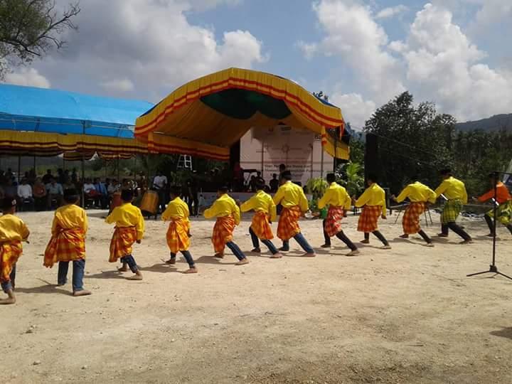 """""""Word Tourism Day"""", Ribuan Warga berkumpul di Pantai Kalebu Selayar"""