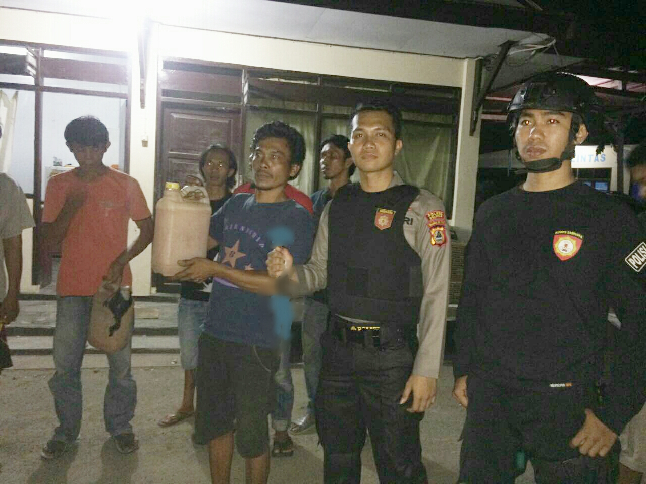 Asik Pesta Miras, Warga Balang Sembo Dibekuk Polres Kepulauan Selayar