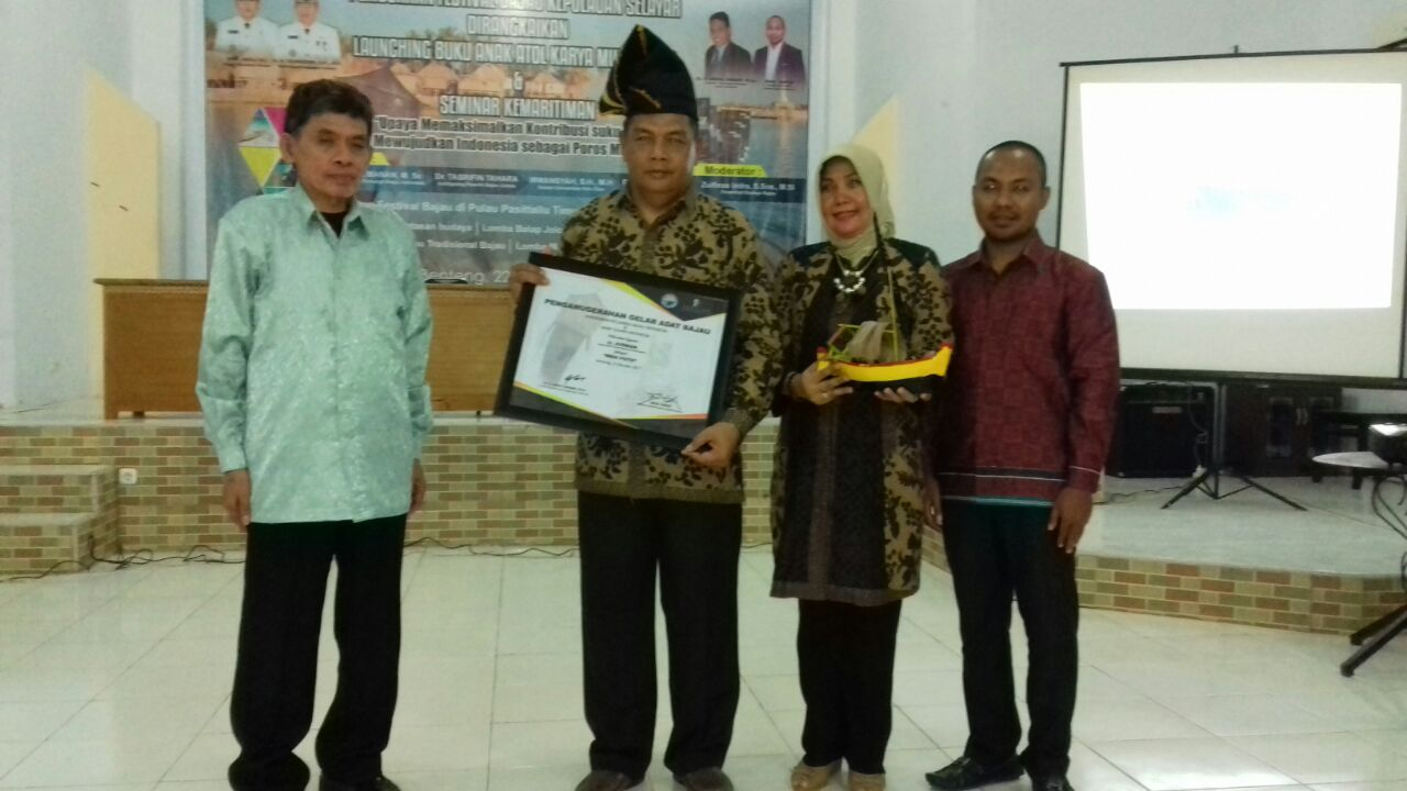 Presiden Bajau Indonesia Anugerahkan Gelar Adat Bajau Untuk Kepala Balai Taman Nasional Taka Bonerate